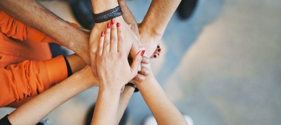 Fællesskab Hænder [iStock]